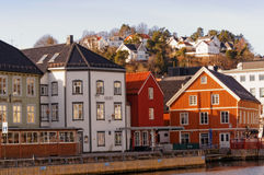 Bryggengebouwen in Arendal, Noorwegen Royalty-vrije Stock Foto