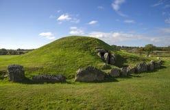 Bryn Celli Ddu- forntida jordfästningkammare Royaltyfri Foto