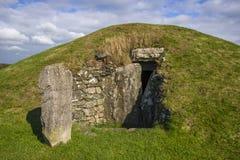 Bryn Celli Ddu- forntida jordfästningkammare Royaltyfri Fotografi