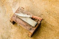 Bryne och kniv Arkivbilder