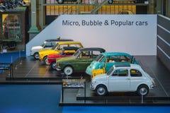 BRYSSEL BELGIEN - DECEMBER 05 2016 - Autoworld museum, gammal bilsamling som visar historien av bilar från början Royaltyfri Foto