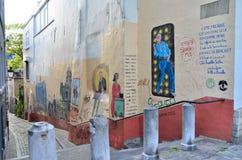 Bryssel Belgien - Maj 13, 2015: Målningen på husväggen Royaltyfri Foto