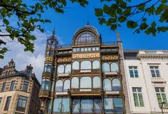 Bryssel Belgien - Maj 04, 2017: Musikinstrumentmuseumbui Royaltyfri Fotografi