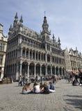 Turister i Bryssel royaltyfria bilder