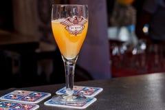 BRYSSEL BELGIEN - SEPTEMBER 07, 2014: Exponeringsglas av det De Ryck ölet på den belgiska ölhelgen 2014 Royaltyfri Foto