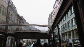 Bryssel Belgien stadssight Flygtur-på flygtur-Avservicebussen stock video