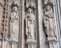 Bryssel - detalj från huvudsaklig portal av Notre Dame du gotiska Sablon Royaltyfri Fotografi