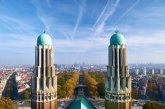 Bryssel - en sikt från nationell basilika av den sakrala hjärtan Arkivfoto