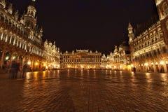 Bryssel nattplats av Grand Place Royaltyfri Fotografi