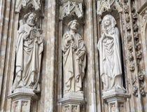 Bryssel - södra portal av Notre Dame du Sablon Royaltyfri Bild