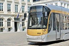 Bryssel spårvagn i mitten av staden Arkivfoton