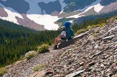 bryt berg som tar trailen Fotografering för Bildbyråer