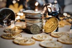 Bryta för Bitcoin jul Royaltyfria Foton