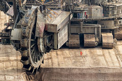 bryta för Hink-hjul grävskopa Royaltyfri Fotografi