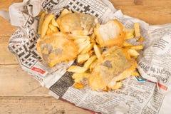 brytyjskich układ scalony rybi przekąski stołu tradycyjny drewniany Zdjęcia Stock