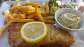 brytyjskich układ scalony rybi przekąski stołu tradycyjny drewniany Fotografia Stock