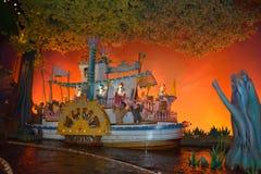 Bryzga górę, Magiczny królestwo, Walt Disney świat, zamek błyskawiczny dama Obrazy Stock