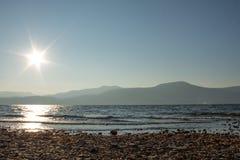 Brzeg jeziora widok Zdjęcie Royalty Free