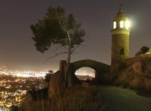 BRZEG RZEKI, CA - Mt Rubidoux przy noc pokoju mosta widokiem Fotografia Royalty Free