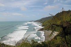 Brzegowa linia przy zachodnim wybrzeżem Południowa wyspa Nowa Zelandia obraz stock