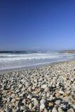 brzegowy California błękitny ocean kołysa niebo Obrazy Stock