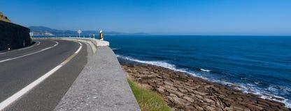 brzegowy gipuzkoa drogi morze Zdjęcie Royalty Free