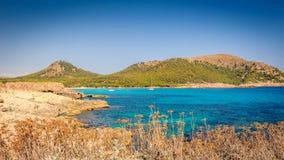 brzegowy skalisty morze zdjęcie stock