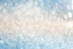 Brzmienia abstrakcjonistyczny tło: zamazani pluśnięcia wodne krople w położenia słońcu zdjęcie royalty free