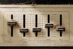 Brzmienie kontrola stary stereo odbiorca Zdjęcie Royalty Free
