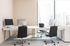 Brzoskwini ścienny biurowy wnętrze, komputerowi biurka, loft ilustracja wektor