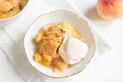 Brzoskwini cobbler z lody Obrazy Royalty Free