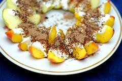 Brzoskwini i jabłka deser Obrazy Stock