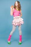 brzoskwini piękna blond kędzierzawa z włosami kobieta Obraz Royalty Free
