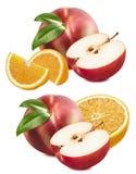 Brzoskwinia, jabłko, pomarańcze ustawia odosobnionego na białym tle Fotografia Royalty Free