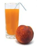 Brzoskwinia owocowy sok w szkle odizolowywającym Zdjęcia Royalty Free