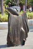 """Brązowa statua """"Searching dla Reason† Obraz Stock"""