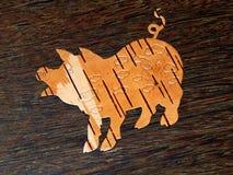 Brzozy barkentyny świnia na drewnianym tle zdjęcie stock