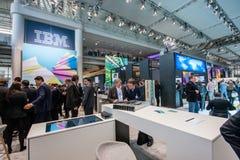 Bås av IBM företaget på CeBIT Royaltyfri Foto
