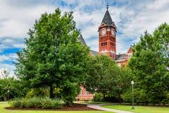 Bâtiment historique et campus à l'université auburn Image stock