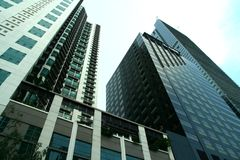 Bâtiments commerciaux et résidentiels ayant beaucoup d'étages Photo stock