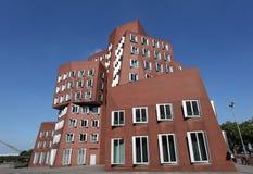 Bâtiments de Neuer Zollhof à Dusseldorf Images libres de droits