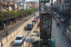 BTS天空火车建设中和特别车道在城市 库存图片