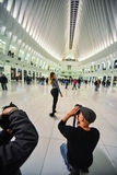 BTS - πίσω από τη φωτογραφία σκηνών των φωτογράφων που εργάζονται στο βλαστό Στοκ φωτογραφία με δικαίωμα ελεύθερης χρήσης