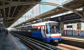 BTS Skytrain on elevated rails Royalty Free Stock Photos