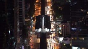 BTSstation Silom-Linie nachts stock video footage