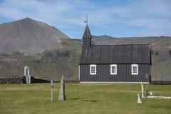 Buðir黑人教会, Snæfellsness半岛2的南部的边缘 免版税库存图片
