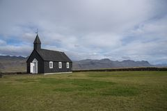 Buðir黑人教会, Snæfellsness半岛5的南部的边缘 图库摄影