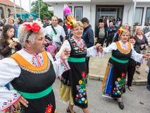 Bułgaria Próba przed koncertem w krajowych kostiumach na Nestenar grach w wiosce Bulgarians Fotografia Stock