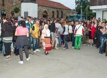 Bułgaria Widzowie na Nestenar grach w wiosce Bulgarians Obrazy Stock