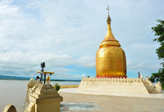 Bu Paya塔金黄stupa  图库摄影
